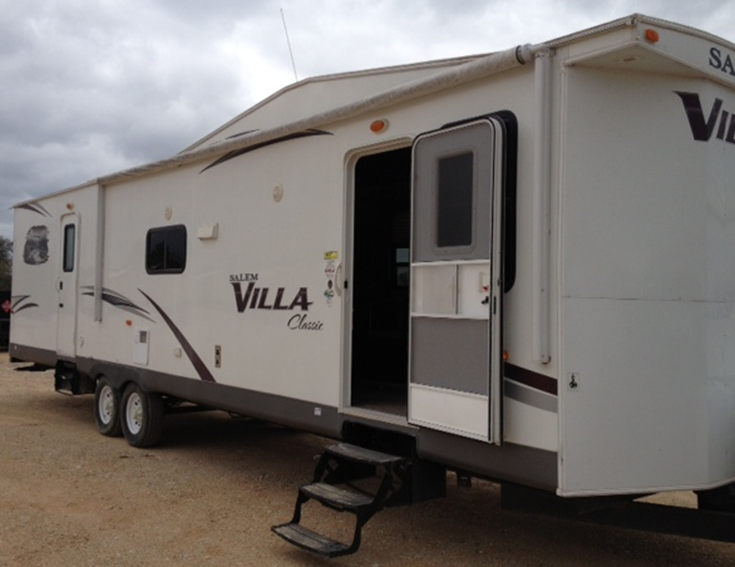 Travel Trailer - Villa Image